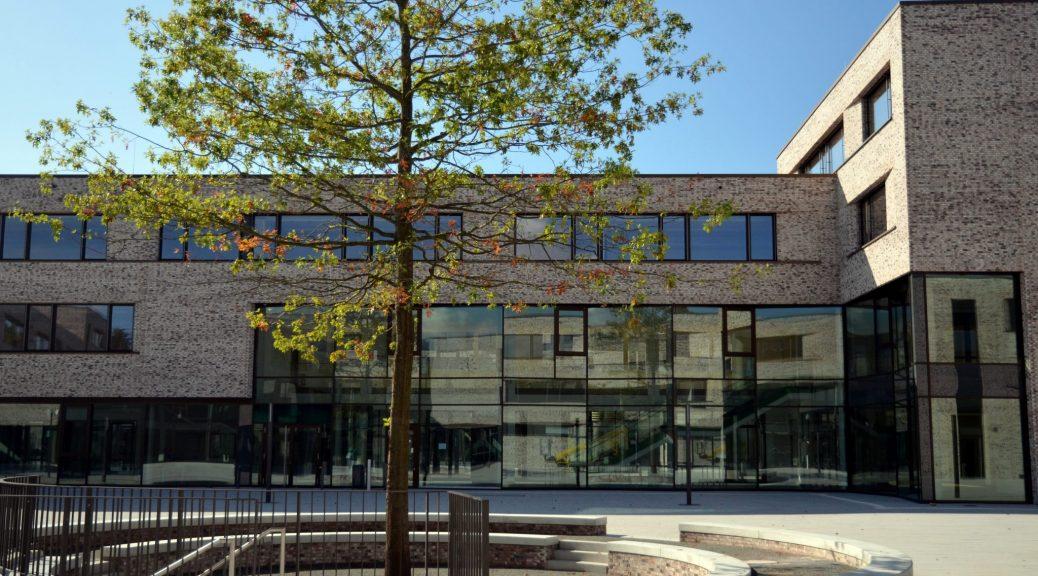 BS01 Gebäude außen – Tiefgarage